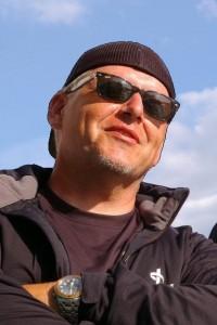 """HANSRUEDI """"KNÖ"""" KNÖPFLI, CEO UND SCHULLEITER DER SWISS MARKETING ACADEMY"""